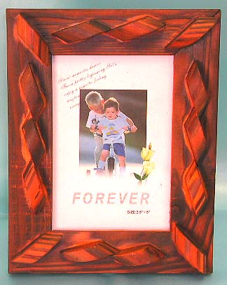Carved pattern design straight stand wooden photo frame, decoration handcrafted art treasure. Your memory will last forever!